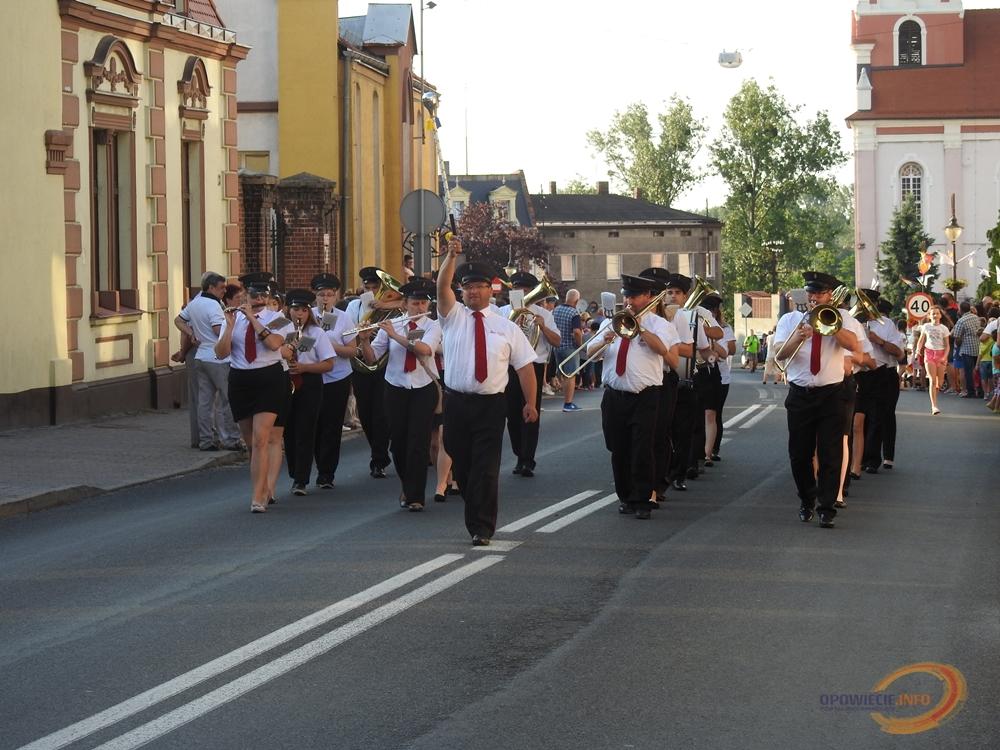 Parada Orkiestr Dętych w Prószkowie. Nikt nie potrafi się im oprzeć… [wideo i zdjęcia]